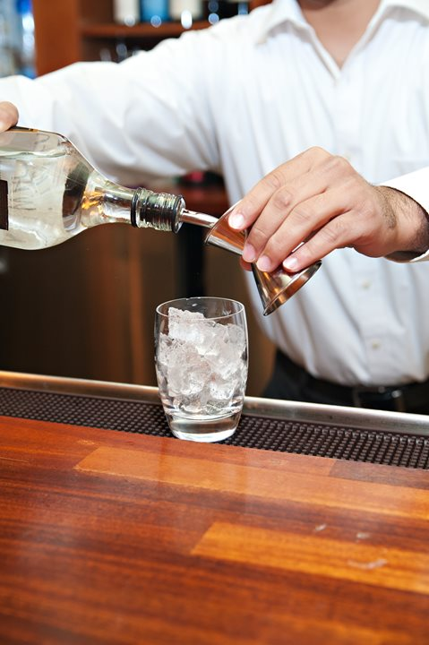 Alcohol Service Tips to Keep Guests Safe This Summer
